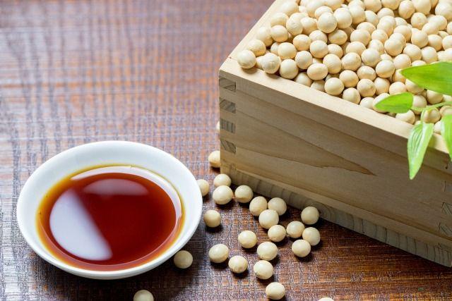 醤油と溢れる大豆